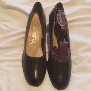 Naturalized women's heels